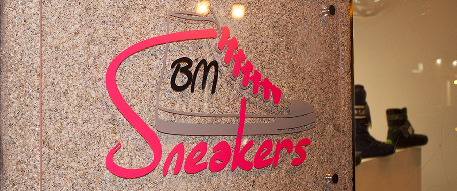 BMsneakers09